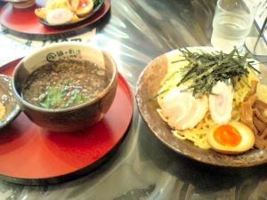 バリ黒つけ麺