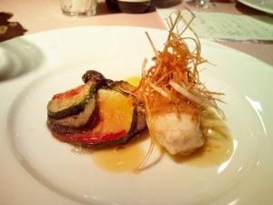 メインのお魚料理 真鯛のポワレ